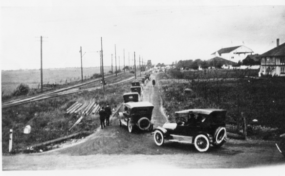 Traffic at Brighouse Park Race Track, 1921. City of Richmond Archives Photograph 1978 13 5
