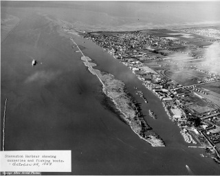 Steveston Harbour showing canneries and fish boats, 1959. City of Richmond Archives Photograph 2010 87 29